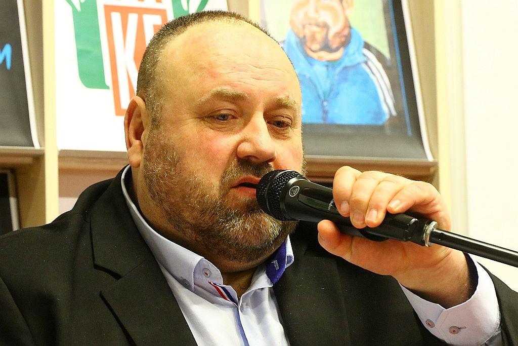 Spotkanie z Wiktorem Piwowarskim w dobczyckiej MBP