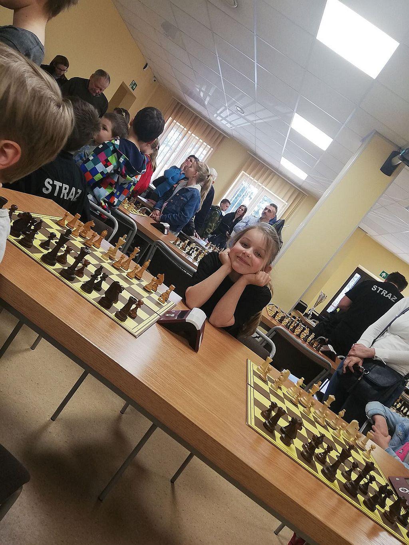 Mundurowi przy szachownicach