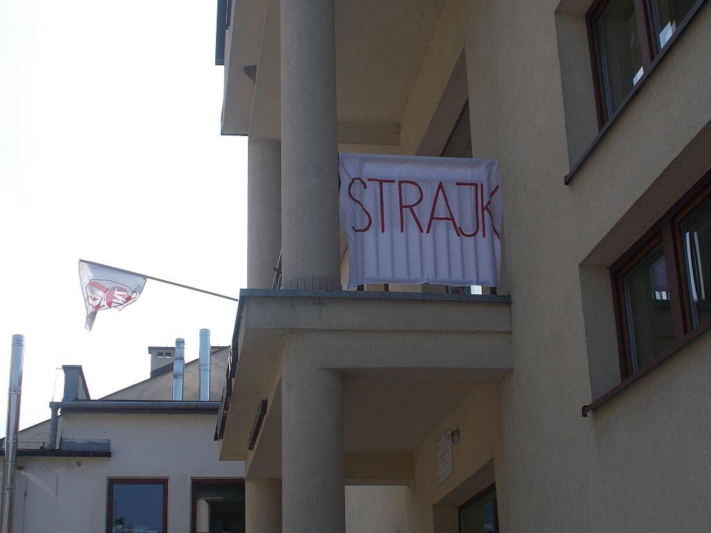 Strajkujący nauczyciele nie otrzymają zapłaty
