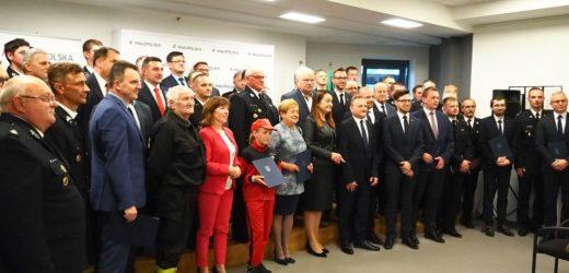 Promesy na remonty małopolskich remiz wręczone