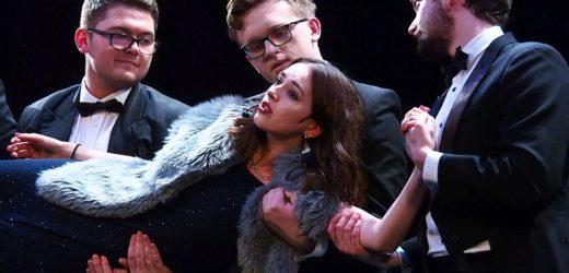 """""""I nie zapomnisz mnie …"""" Studenckiego Teatru """"Kurtyna"""" na deskach sceny MOKiS"""
