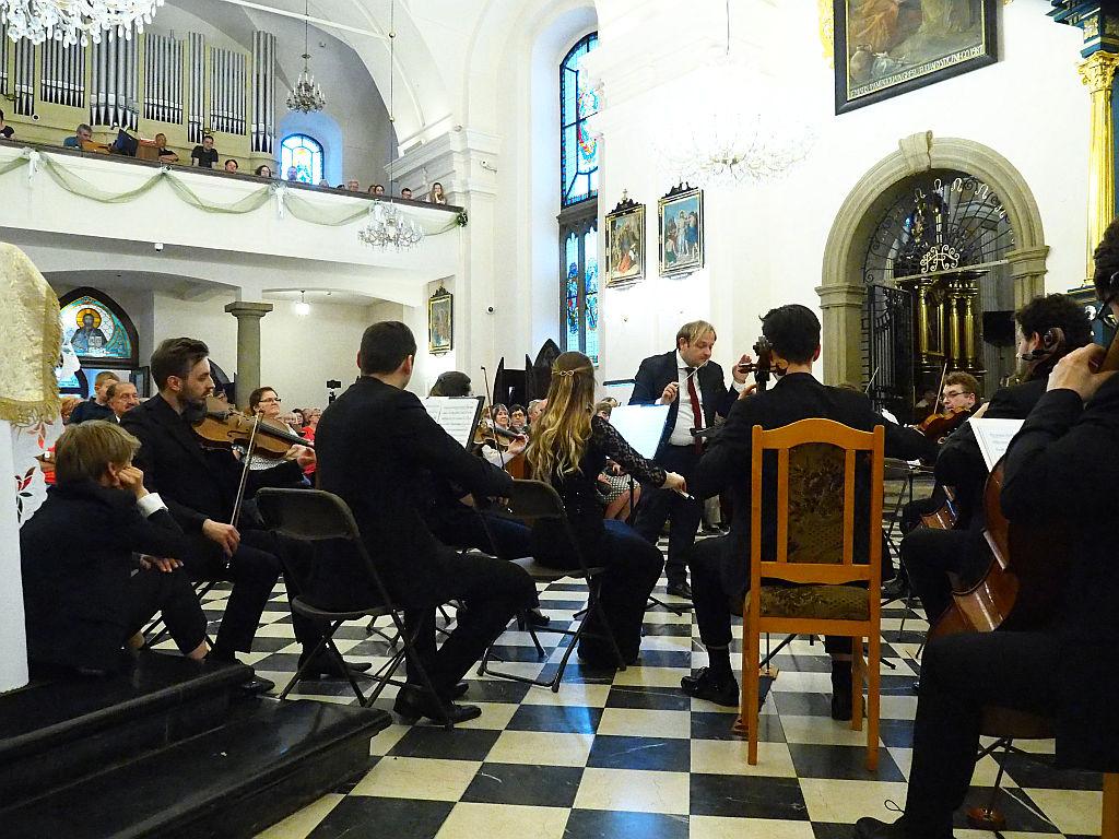 Polish Art Philharmonic w kościele pw. Narodzenia NMP w Myślenicach