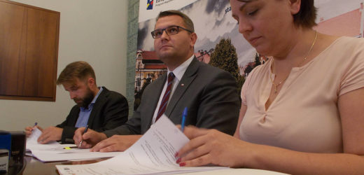 Umowa na prace budowlane przy rewitalizacji myślenickiego rynku podpisana