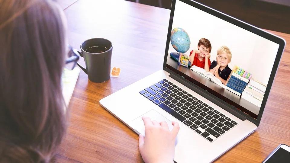 Laptopy dla uczniów z gminy Myślenice