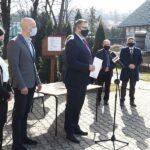 Umowa na wykonanie projektu sali gimnastycznej w Osieczanach podpisana