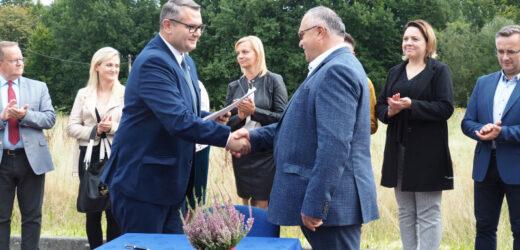 Umowa podpisana, rusza budowa Przedszkola w Jaworniku!