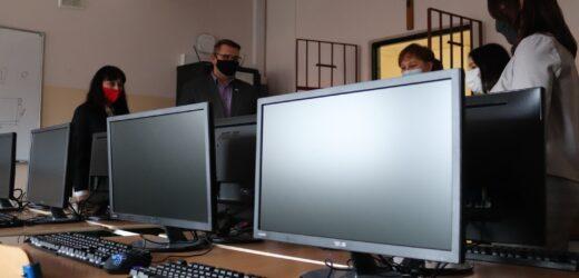 Szkoła w Osieczanach z nową pracownią komputerow