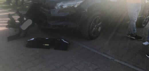 Motocyklista zderzył się z samochodem